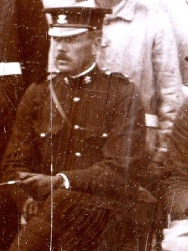 World War One: Auction of Irish soldier's possessions - intact after 100 years