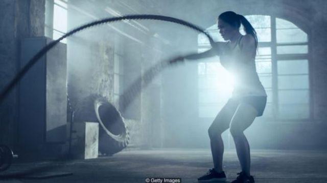 Các hãng bán chất bổ sung khuyên uống lọ lắc protein sau khi tập luyện để giúp tăng trưởng và bù đắp mô cơ