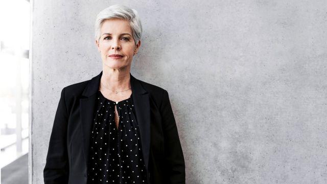 İsveçdə boşanmış qadınlar həm biznesdə, həm də siyasətdə rəhbər vəzifələri daha rahat icra edirlər