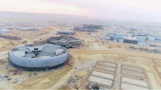 """ملعب كرة القدم بالمدينة الرياضية الأولومبية """"قيد الإنشاء"""" في مصر"""