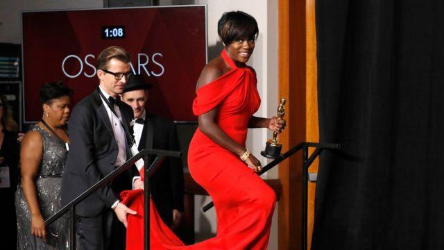 วิโอลา เดวิส คว้ารางวัลนักแสดงสมทบหญิงยอดเยี่ยมมาแล้วจากเวทีลูกโลกทองคำ