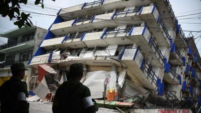 Un edificio colapsado en Oaxaca