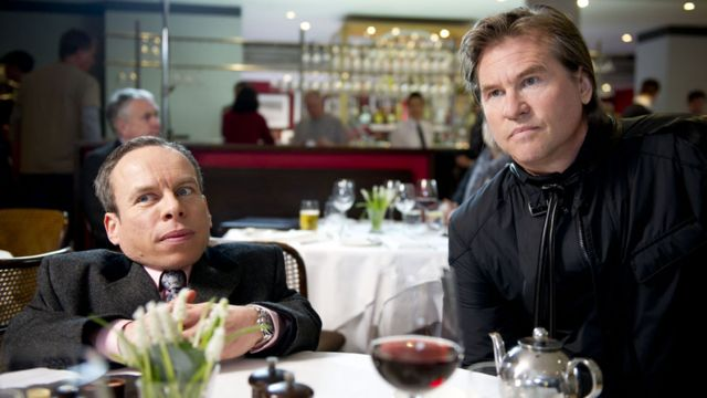 Val Kilmer with Warwick Davis in Life's Too Short