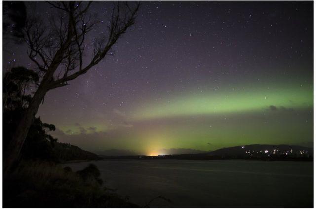 大多数人都知道北极光,但可能不知南半球也有南极光。