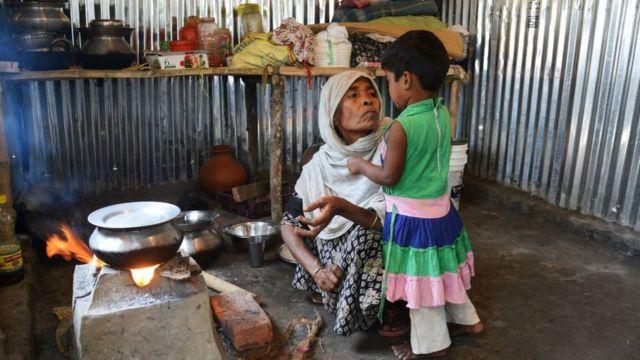 ভারতে কলকাতার অদূরে একটি রোহিঙ্গা পরিবার
