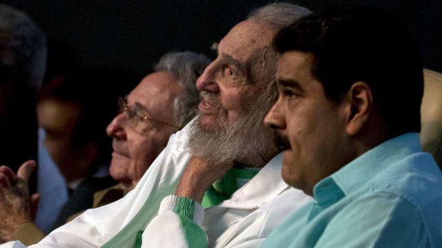братья Рауль и Фидель Кастро с Николасом Мадуро