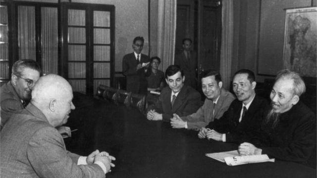 Khrushchev và Hồ Chí Minh
