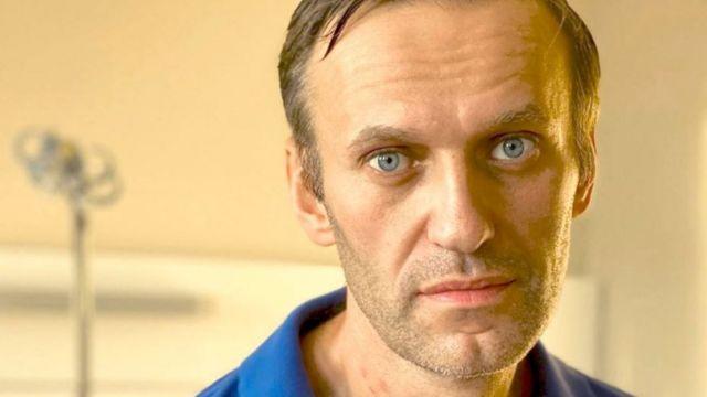 """Боли нет, но вы знаете, что умираете"""". Навальный дал первое интервью после  отравления - BBC News Русская служба"""
