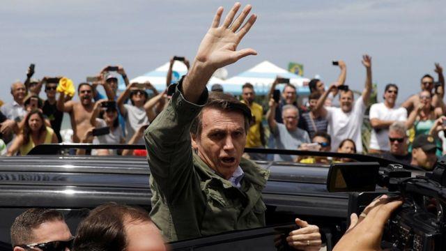 Bolsonaro neste domingo
