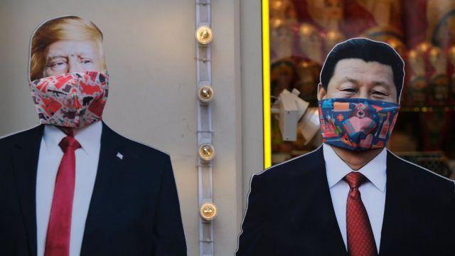 Fotos de Trump y Xi cubiertos con mascarillas