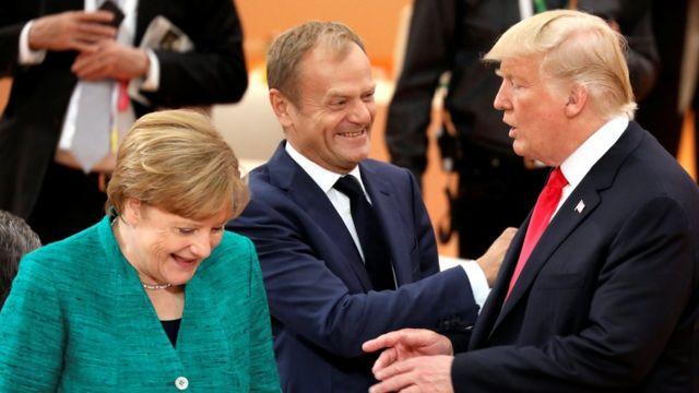 از راست دونالد ترامپ رئیس جمهور آمریکا، دونالد توسک رئیس اتحادیه اروپا و آنگلا مرکل میزبان اجلاس و صدراعظم آلمان