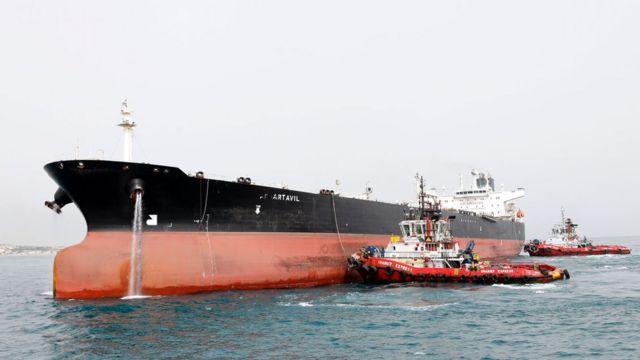نفتکش حامل نفت ایران در جنوب این کشور