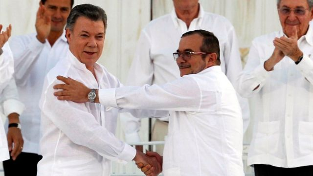 Santos y las FARC firmaron la paz en Cartagena antes del plebiscito.
