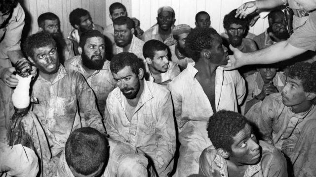 أتباع جهيمان بعد اعتقالهم