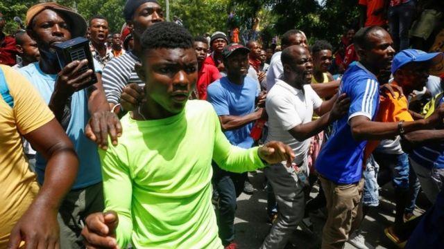 протест в Порт-о-Пренсе.