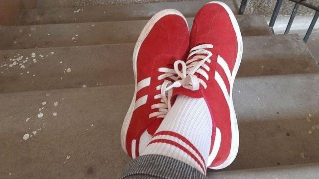 آنچه که کفش و جوراب ورزشی معمولی به نظر میرسد، در بلاروس به مثابه یک بیانیه سیاسی است