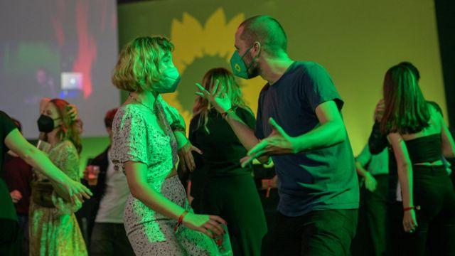 Yeşiller Partisi Berlin'de oy artışlarını kutladı.
