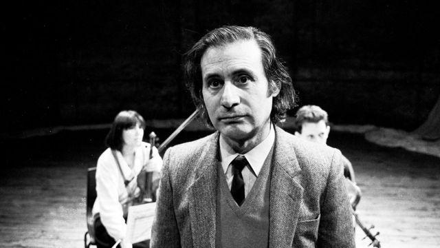 Музыка Альфреда Шнитке стала известной на Западе в 1980-х, когда в СССР она приобрела подпольный культовый статус