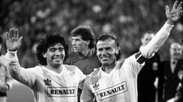 Diego Maradona y Carlos Menem