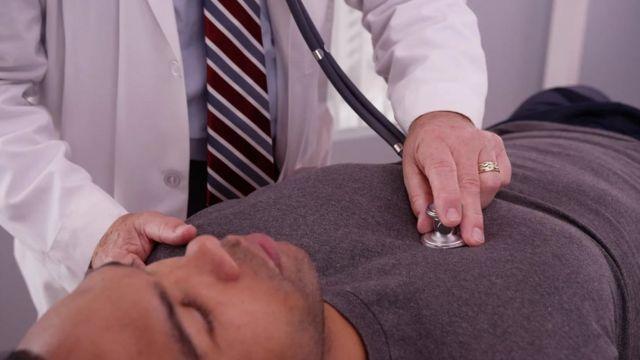 أظهرت أبحاث أن التحيز اللاواعي يمكن أن تكون له آثار كبيرة في المجال الطبي