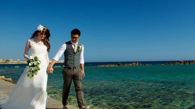 Cat y Gary se casan en Chipre