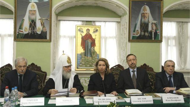 По просьбе президента Медведева Беглов занялся реставрацией Кронштадтского собора. Март 2009 г.