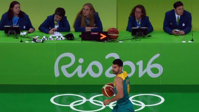 Los jueces de las Olimpiadas tampoco se salvan de los gritos.