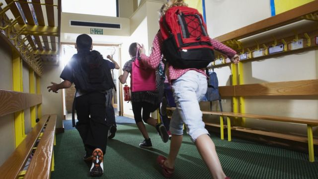 Crianças em escola