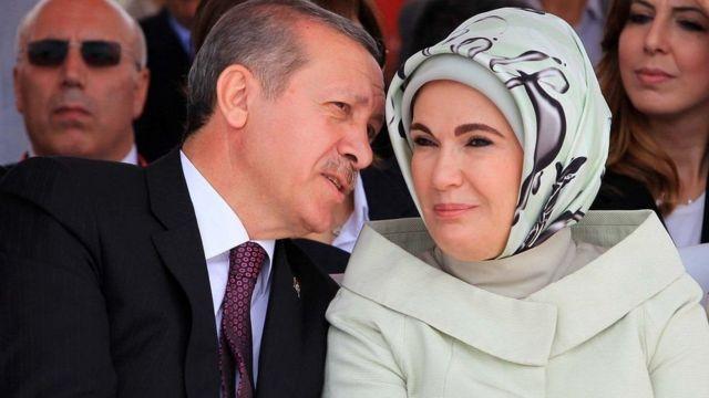 Erdogan e a esposa