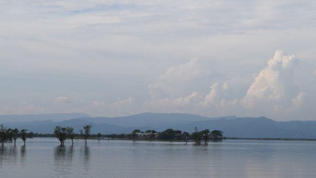 হাওরের পরেই শুরু হয়েছে ভারতের মেঘালয়ের পাহাড়