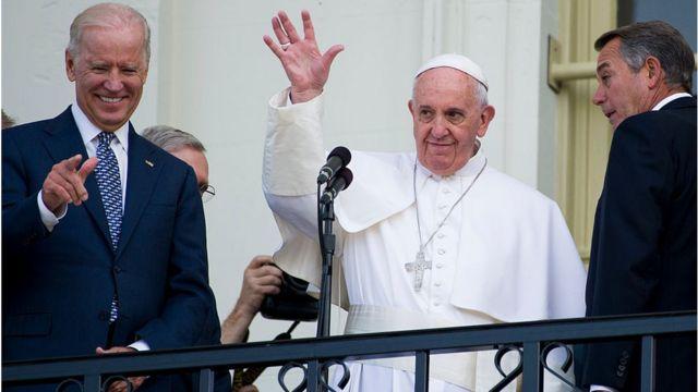 Biden yari umwe mu bategetsi b'Amerika bahuye na Papa Francis ubwo yasuraga Amerika mu 2015