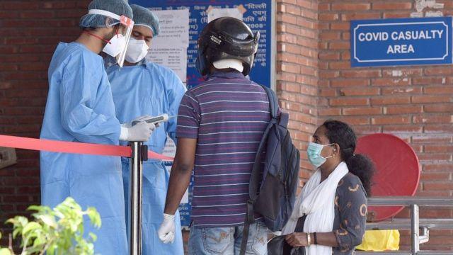ရောဂါဖြစ်သူတွေများလာတာနဲ့အမျှ ဆေးရုံအတော်များများ မနိုင်မနင်းဖြစ်နေ