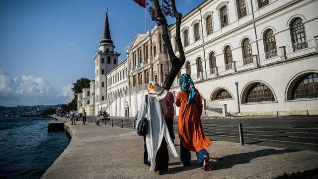 ارتش ترکیه ممنوعیت حجاب را لغو میکند