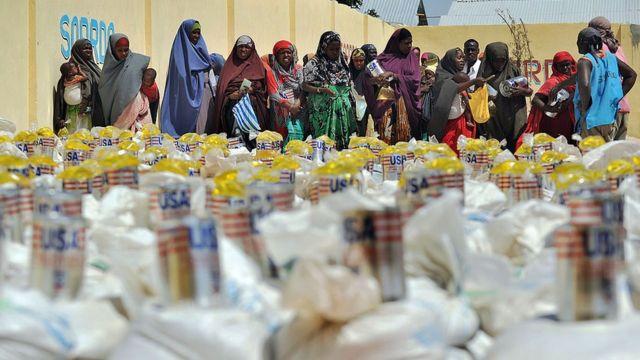 Распределение гуманитарной помощи в Сомали