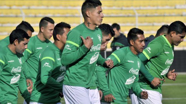 Jugadores Boliviano entrenan.