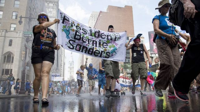 フィラデルフィアでサンダース議員支持を訴える人たち