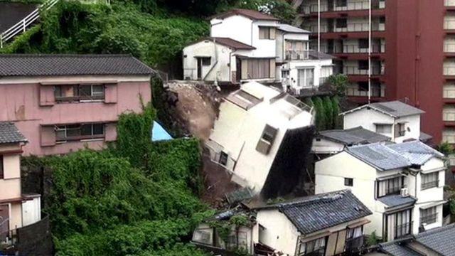House falls in mudslide
