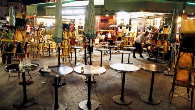در فرانسه صاحبان رستوران نسبت به قانون منع آمد و شد معترض هستند
