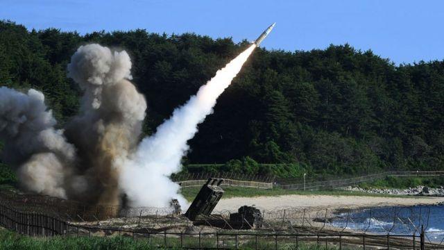 Lanzamiento de misil.