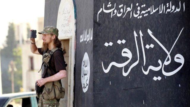 أعداد غفيرة من المقاتلين الأجانب المنتمين لتنظيم الدولة لا يزالون في العراق وسوريا