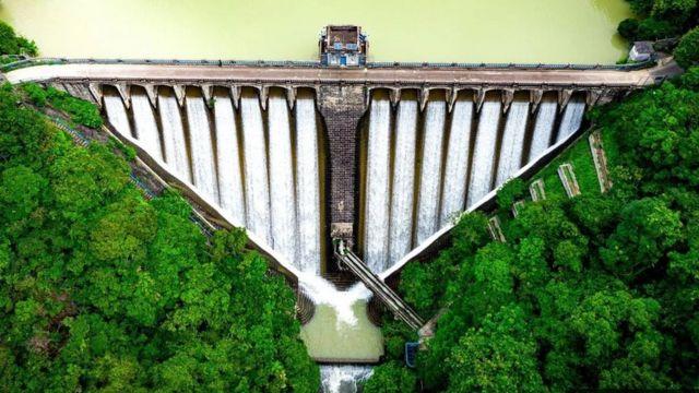 三角形水壩
