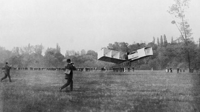 El primer vuelo de Santos Dumont