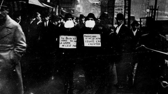 Во время эпидемии испанского гриппа маски пользовались спросом
