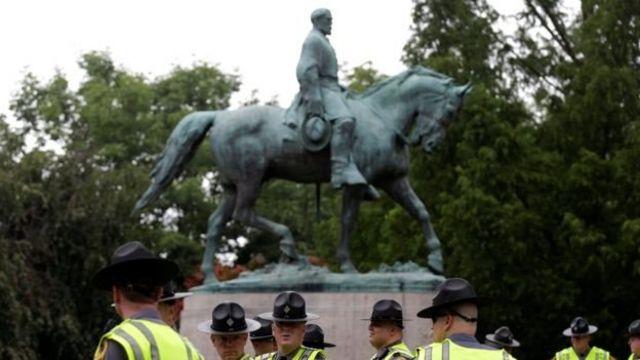 Estatua de Robert E. Lee