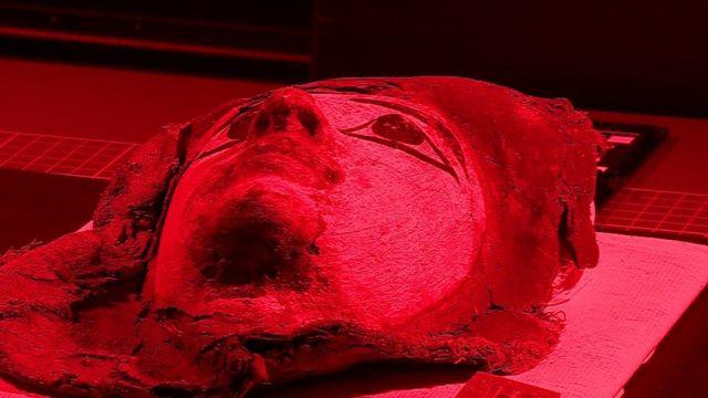 Scan technique reveals secret writing in mummy cases