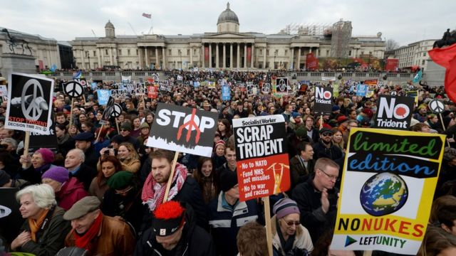 Jeremy Corbyn and Nicola Sturgeon condemn Trident at rally
