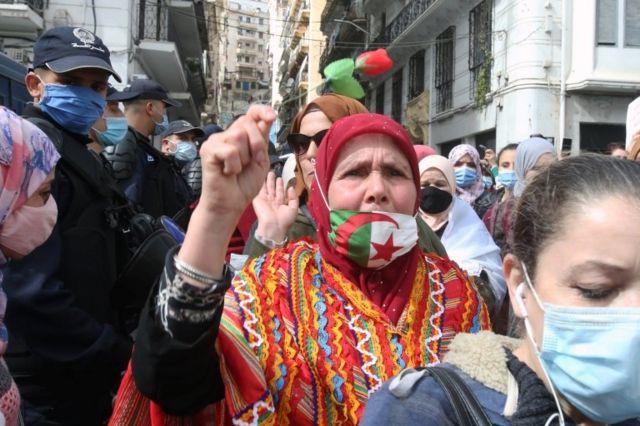 تظاهرات روز جهانی زن در الجزیره پایتخت الجزایر