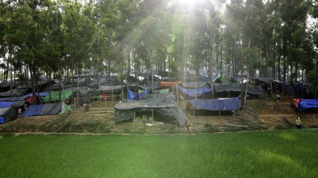 မြန်မာကနေ ဘင်္ဂလားဒေ့ရှ်ကိုထွက်ပြေးခဲ့တဲ့ ဒုက္ခသည် ၃ သိန်း ၇ သောင်း ရှိတယ်လို့ ကုလသမဂ္ဂဆို