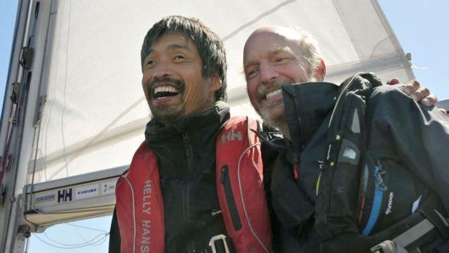 Міцухіро Івамото і його помічник-провідник Даг Сміт в порту Івакі (префектура Фукусіма)