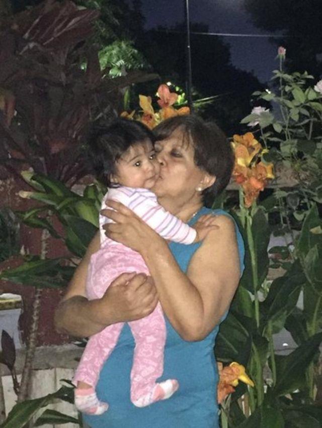 Olga con su nieta Emma.